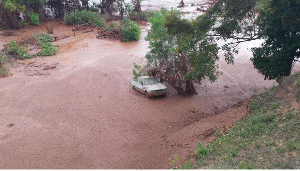 lama invade distrito de Paracatu  Foto- G1MG