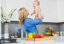 mãe-bebe-alimentação-comida