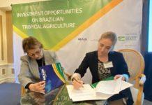 A ministra da Agricultura, Tereza Cristina, assina acordo de títulos verdes